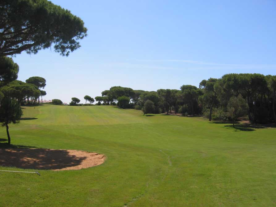 https://golftravelpeople.com/wp-content/uploads/2018/11/Nuevo-Portil-Golf-Club-7.jpg