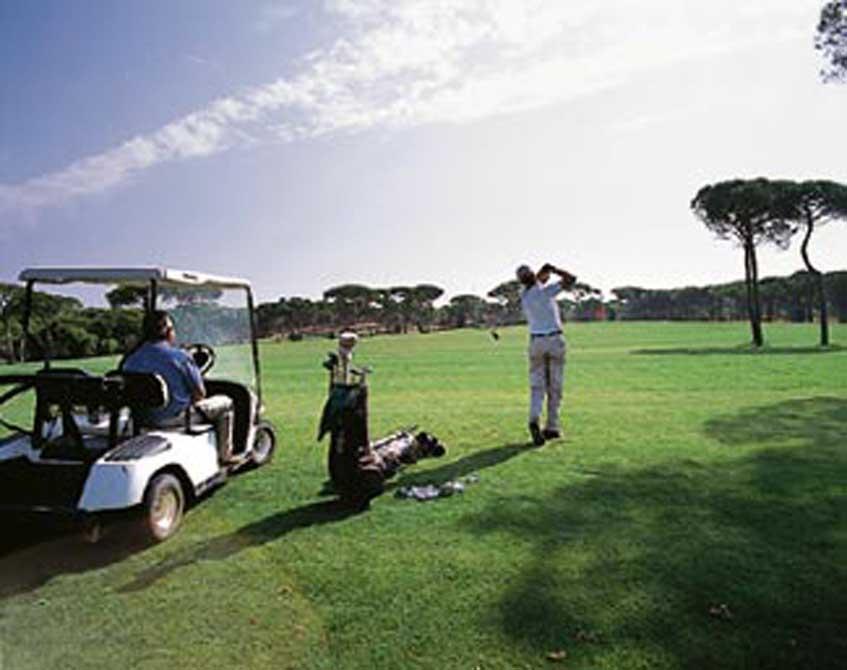 https://golftravelpeople.com/wp-content/uploads/2018/11/Nuevo-Portil-Golf-Club-8.jpg