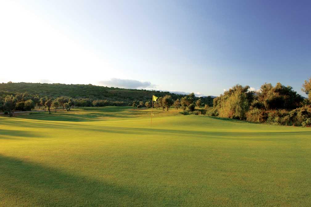 https://golftravelpeople.com/wp-content/uploads/2019/04/Alamos-Golf-Club-1.jpg