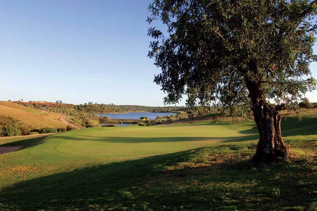 https://golftravelpeople.com/wp-content/uploads/2019/04/Alamos-Golf-Club-8.jpg