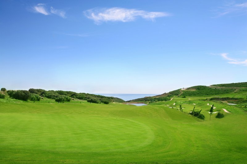 https://golftravelpeople.com/wp-content/uploads/2019/04/Alcaidesa-Golf-Club-Heathland-Course-5.jpg