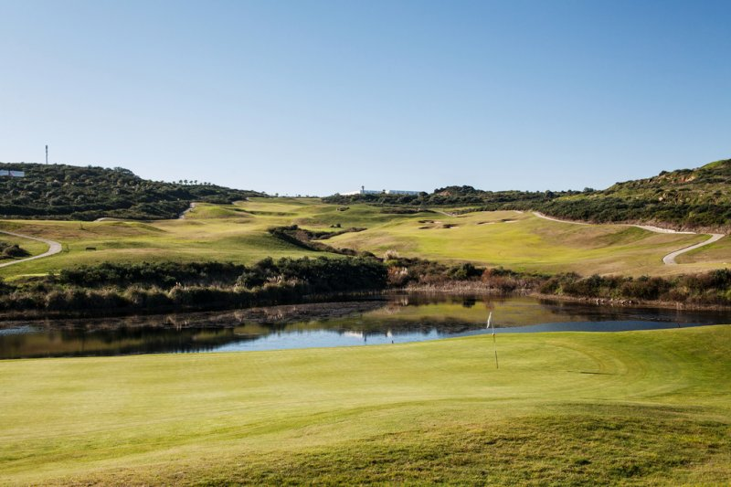 https://golftravelpeople.com/wp-content/uploads/2019/04/Alcaidesa-Golf-Club-Heathland-Course-6.jpg
