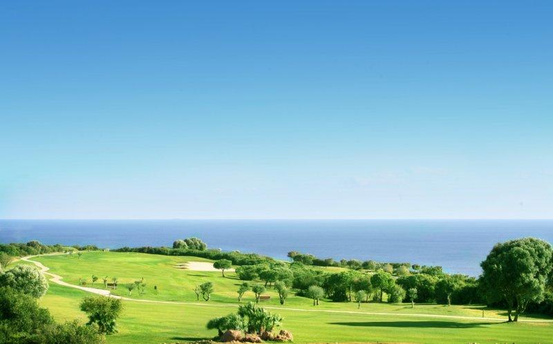 https://golftravelpeople.com/wp-content/uploads/2019/04/Alcaidesa-Golf-Club-Links-Golf-Course-11.jpg