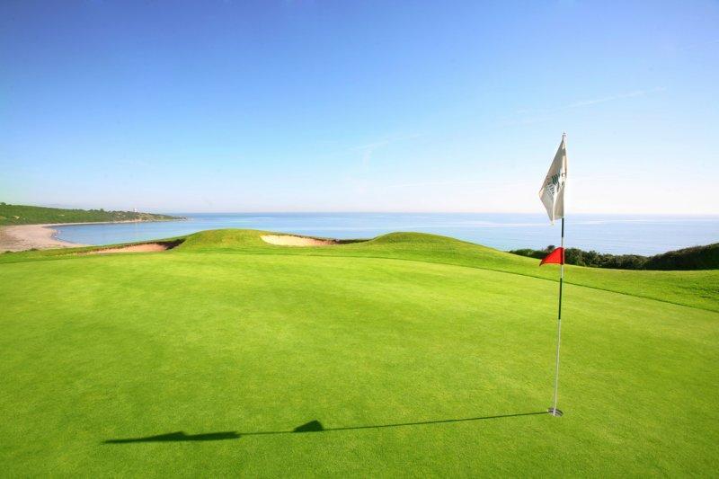 https://golftravelpeople.com/wp-content/uploads/2019/04/Alcaidesa-Golf-Club-Links-Golf-Course-13.jpg