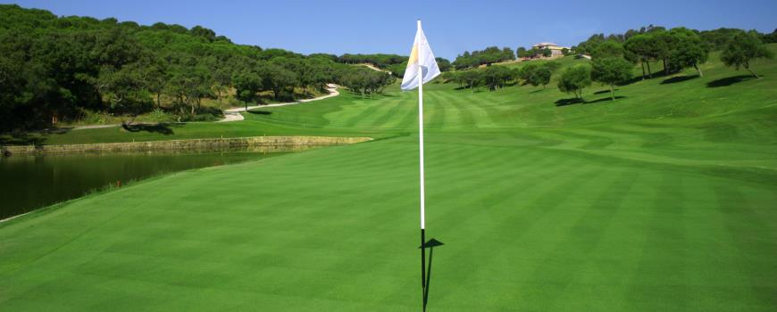 https://golftravelpeople.com/wp-content/uploads/2019/04/Almenara-Golf-Club-221.jpg