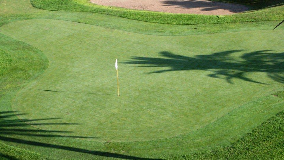https://golftravelpeople.com/wp-content/uploads/2019/04/Almerimar-Golf-Club-11.jpg