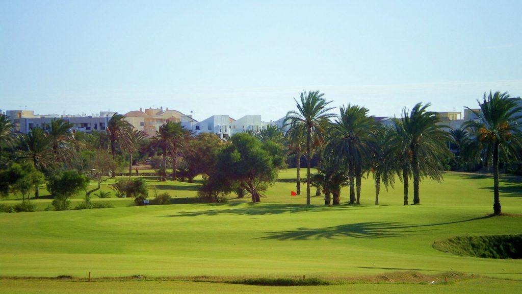 https://golftravelpeople.com/wp-content/uploads/2019/04/Almerimar-Golf-Club-71-1024x576.jpg