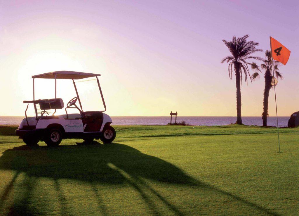 https://golftravelpeople.com/wp-content/uploads/2019/04/Amarilla-Golf-Tenerife-10-2-1024x739.jpg