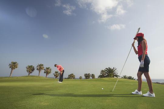 https://golftravelpeople.com/wp-content/uploads/2019/04/Amarilla-Golf-Tenerife-5.jpg