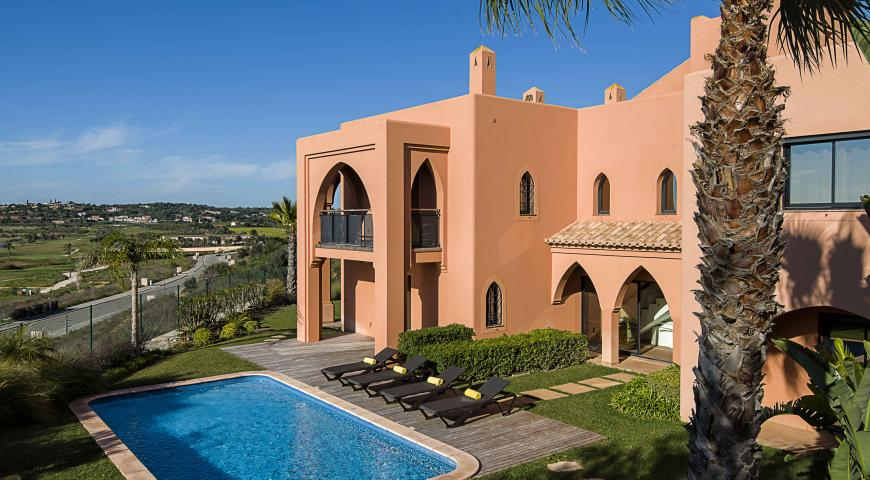 https://golftravelpeople.com/wp-content/uploads/2019/04/Amendoeira-Resort-4-bedroom-villa-7.jpg