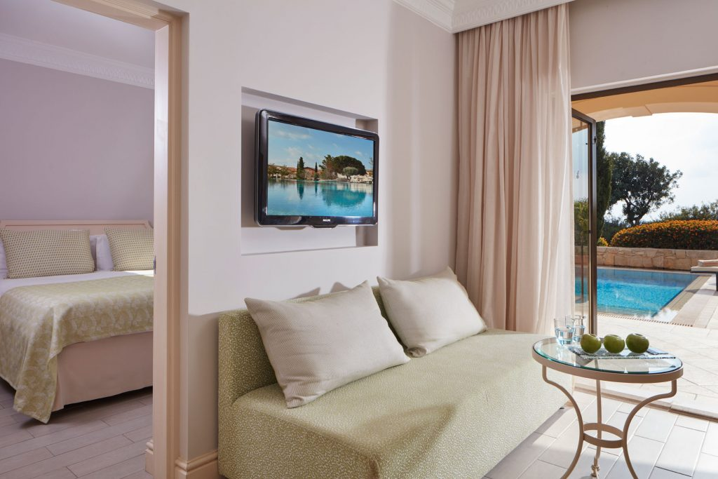 https://golftravelpeople.com/wp-content/uploads/2019/04/Aphrodite-Hills-Resort-Cyprus-11-1024x683.jpg