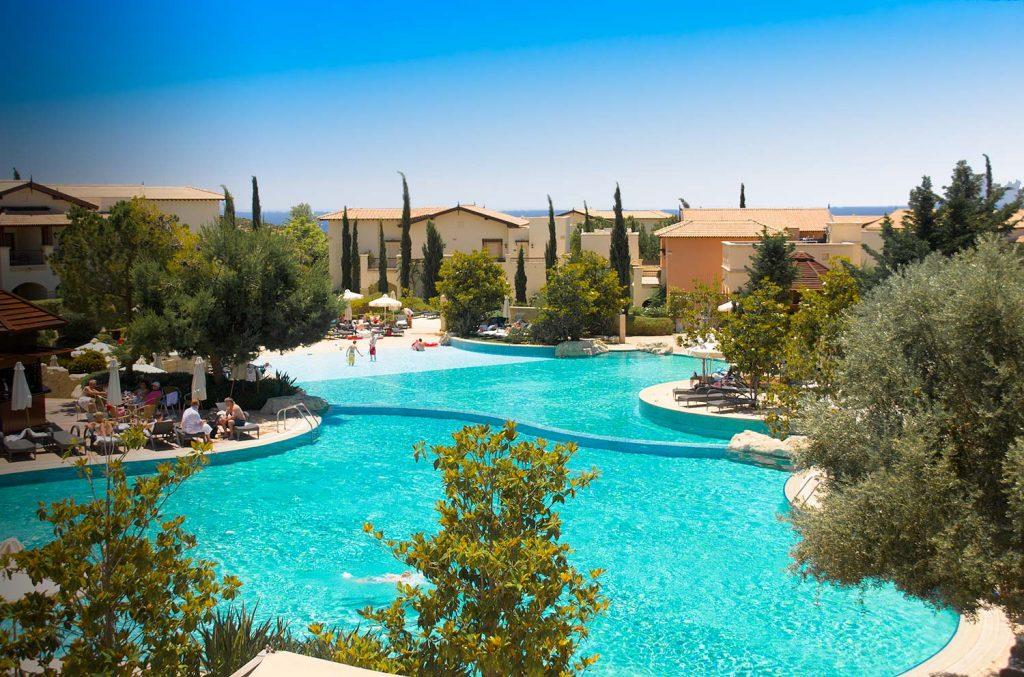 https://golftravelpeople.com/wp-content/uploads/2019/04/Aphrodite-Hills-Resort-Cyprus-2-1024x677.jpg