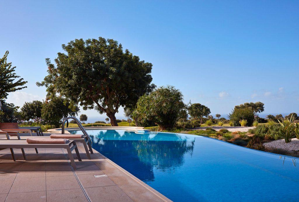 https://golftravelpeople.com/wp-content/uploads/2019/04/Aphrodite-Hills-Resort-Cyprus-23-1024x691.jpg