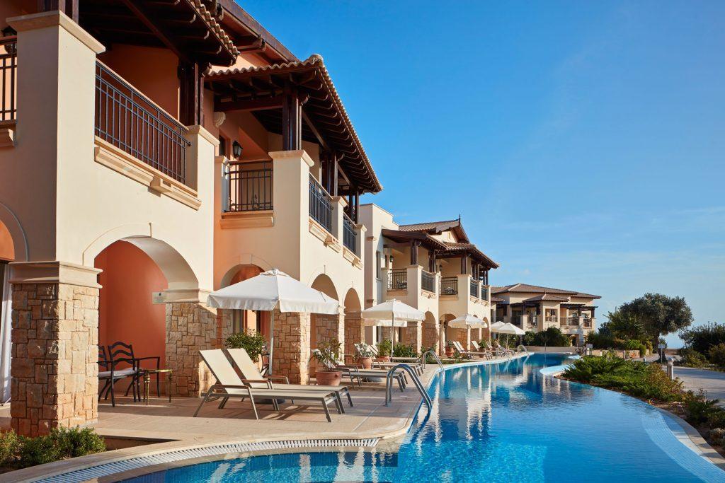https://golftravelpeople.com/wp-content/uploads/2019/04/Aphrodite-Hills-Resort-Cyprus-25-1024x683.jpg