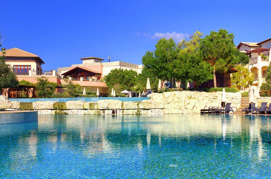 https://golftravelpeople.com/wp-content/uploads/2019/04/Aphrodite-Hills-Resort-Cyprus-3-1024x677.jpg