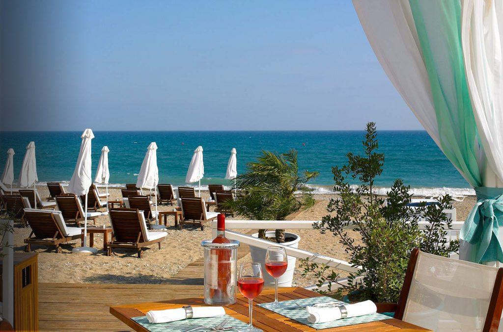 https://golftravelpeople.com/wp-content/uploads/2019/04/Aphrodite-Hills-Resort-Cyprus-37-1024x677.jpg