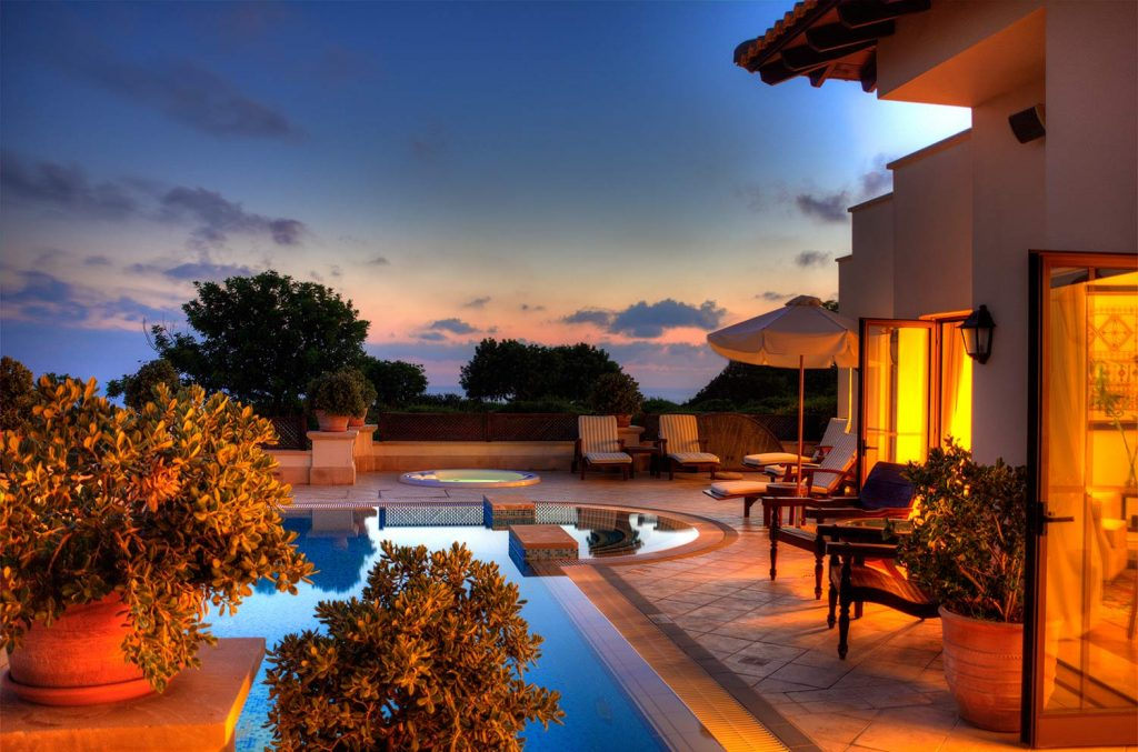 https://golftravelpeople.com/wp-content/uploads/2019/04/Aphrodite-Hills-Resort-Cyprus-4-1024x677.jpg