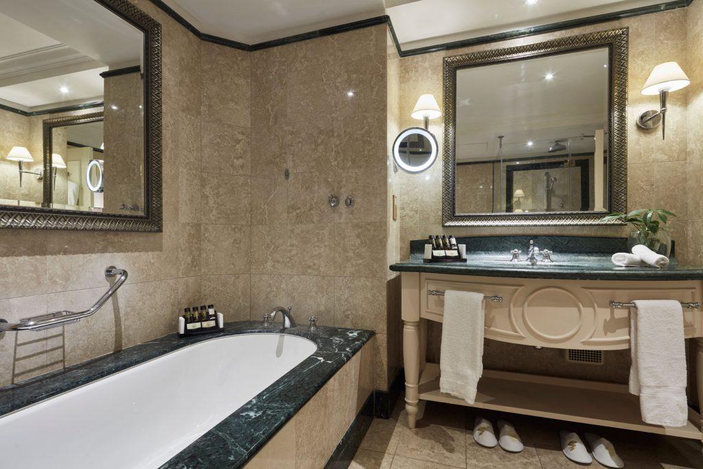 https://golftravelpeople.com/wp-content/uploads/2019/04/Aphrodite-Hills-Resort-Cyprus-6-1024x683.jpg