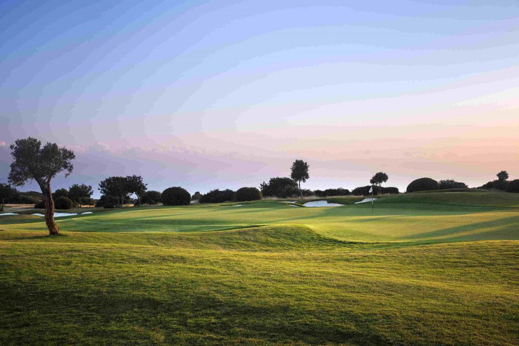 https://golftravelpeople.com/wp-content/uploads/2019/04/AphroditeHills-PGA-National-Golf-Club-Cyprus-New-13-1024x682.jpg