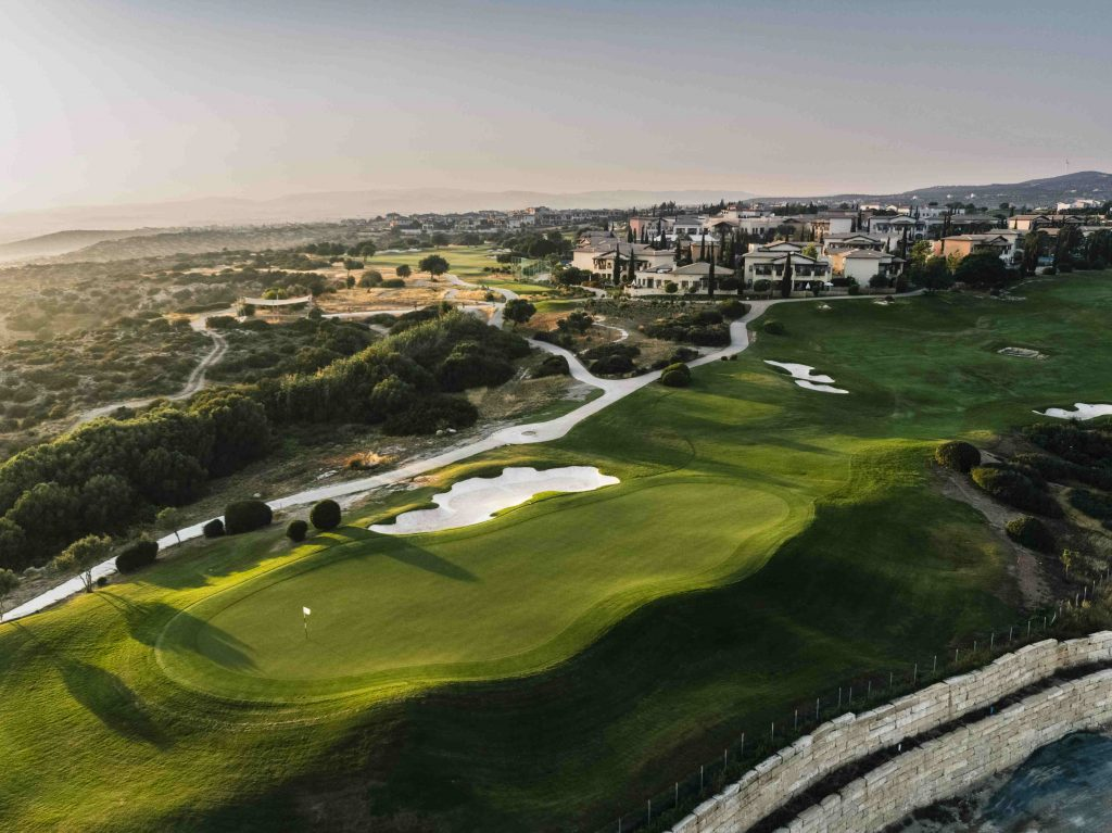 https://golftravelpeople.com/wp-content/uploads/2019/04/AphroditeHills-PGA-National-Golf-Club-Cyprus-New-7-1024x767.jpg