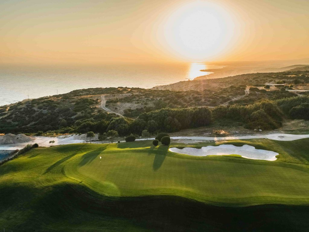 https://golftravelpeople.com/wp-content/uploads/2019/04/AphroditeHills-PGA-National-Golf-Club-Cyprus-New-8-1024x767.jpg