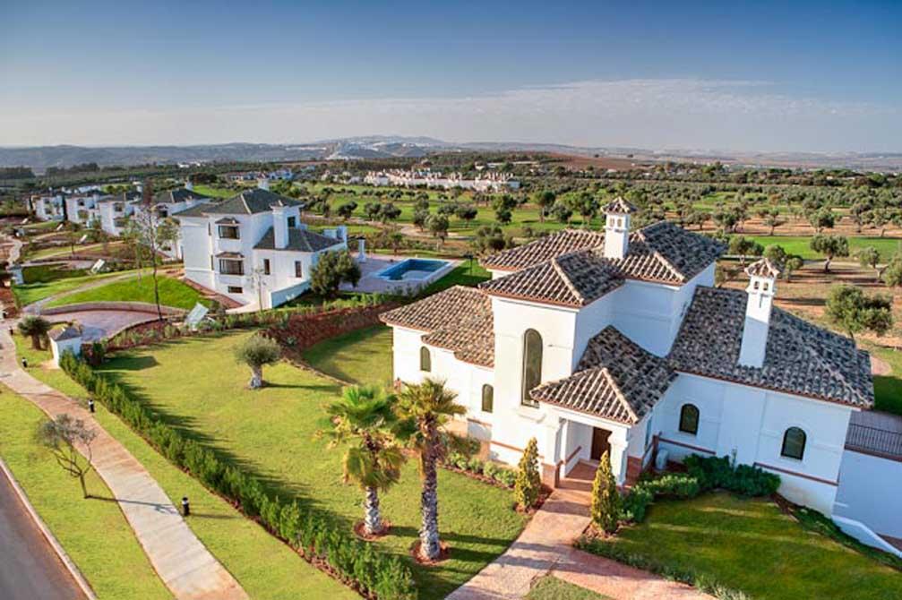 https://golftravelpeople.com/wp-content/uploads/2019/04/Arcos-Gardens-Villas-9.jpg