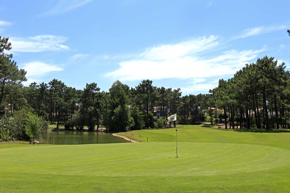 https://golftravelpeople.com/wp-content/uploads/2019/04/Aroeira-Golf-Club-1-5.jpg