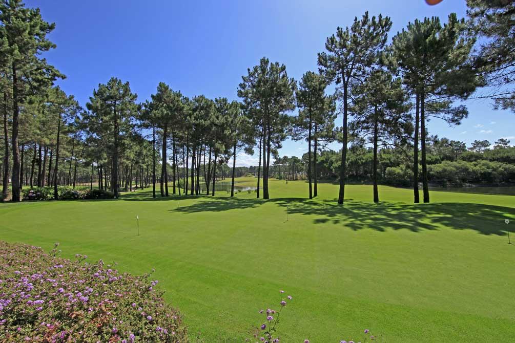 https://golftravelpeople.com/wp-content/uploads/2019/04/Aroeira-Golf-Club-2-1.jpg