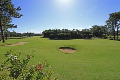 https://golftravelpeople.com/wp-content/uploads/2019/04/Aroeira-Golf-Club-2-10-400x267.jpg