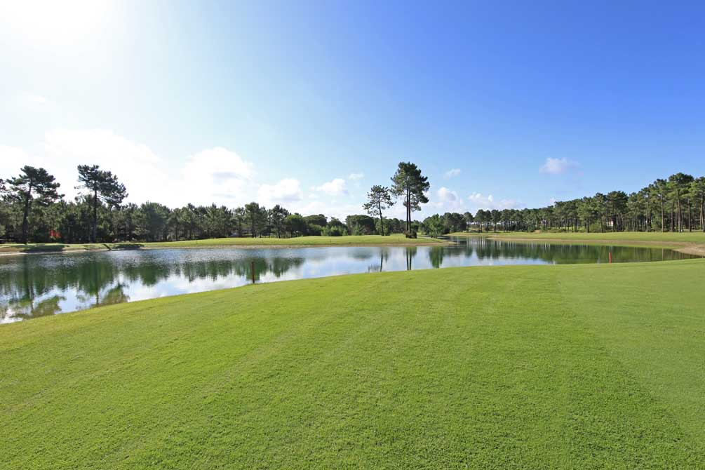 https://golftravelpeople.com/wp-content/uploads/2019/04/Aroeira-Golf-Club-2-4.jpg