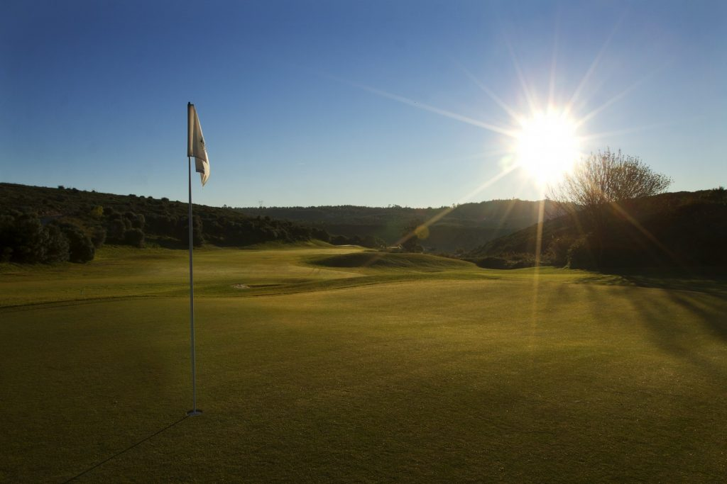 https://golftravelpeople.com/wp-content/uploads/2019/04/Belas-Golf-Club-Lisbon-10-1024x683.jpg
