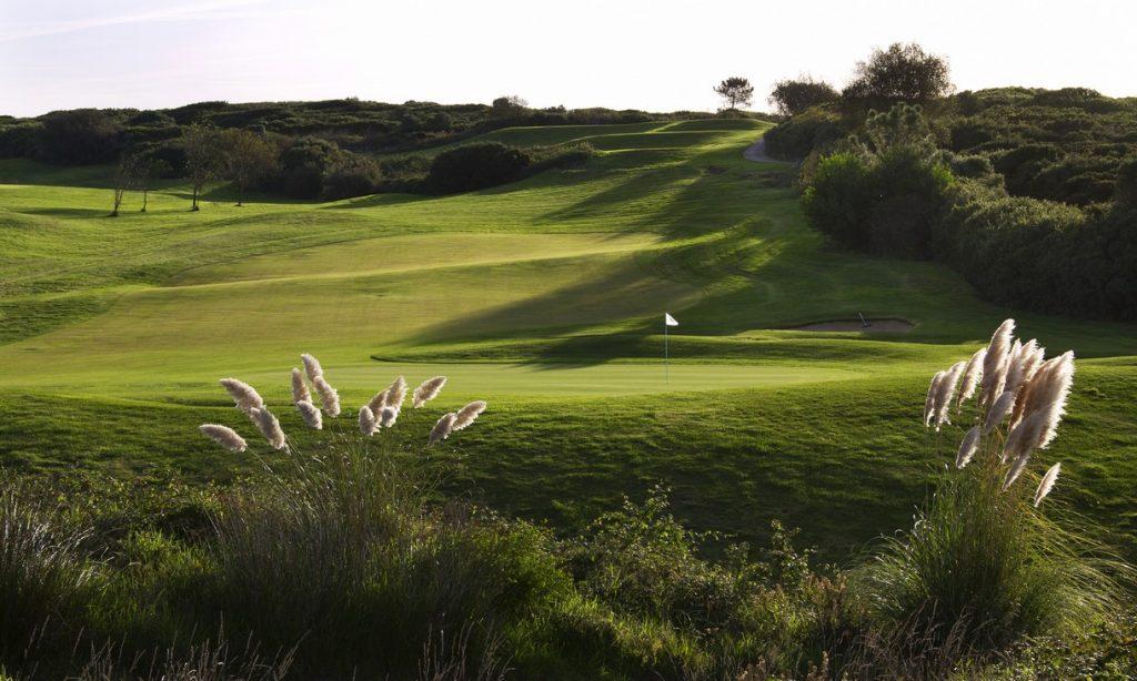 https://golftravelpeople.com/wp-content/uploads/2019/04/Belas-Golf-Club-Lisbon-2-1024x614.jpg