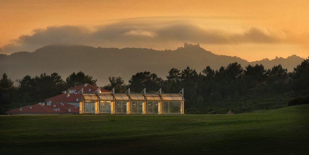 https://golftravelpeople.com/wp-content/uploads/2019/04/Belas-Golf-Club-Lisbon-24-1024x514.jpg