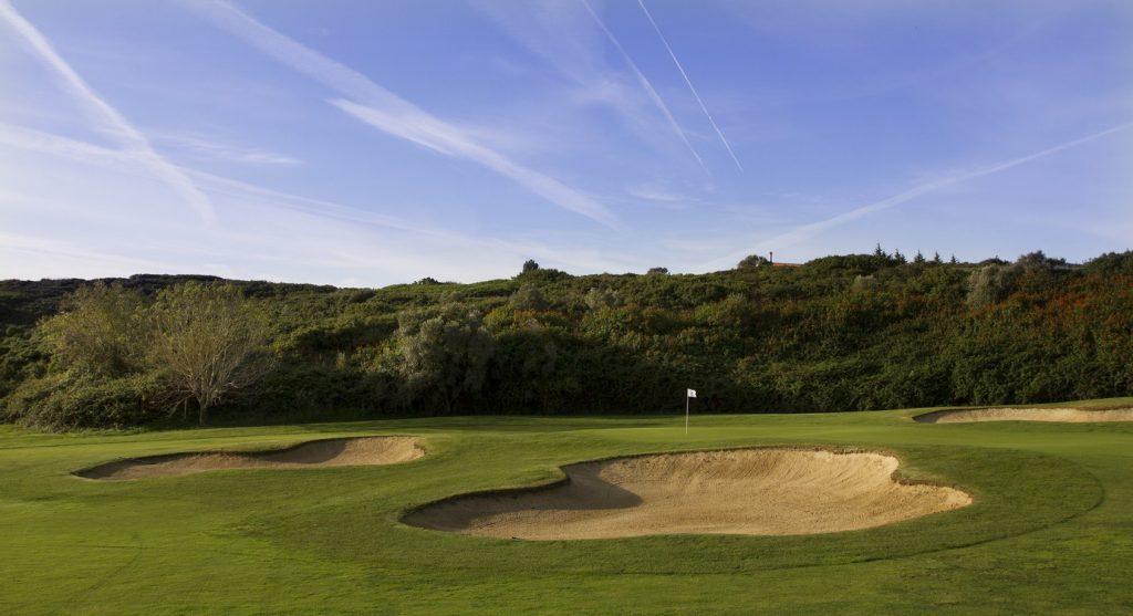 https://golftravelpeople.com/wp-content/uploads/2019/04/Belas-Golf-Club-Lisbon-3-1024x557.jpg