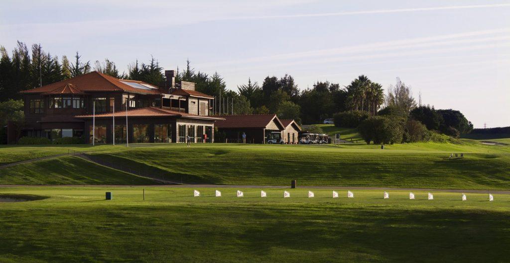 https://golftravelpeople.com/wp-content/uploads/2019/04/Belas-Golf-Club-Lisbon-4-1024x529.jpg