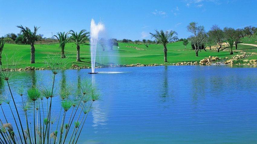 https://golftravelpeople.com/wp-content/uploads/2019/04/Boavista-Golf-Club-11.jpg