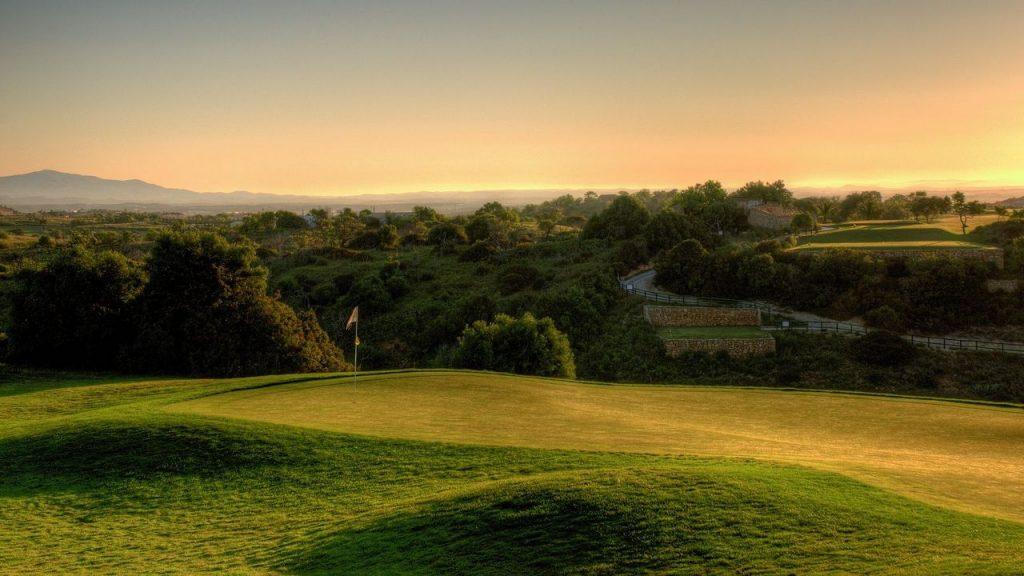 https://golftravelpeople.com/wp-content/uploads/2019/04/Boavista-Golf-Club-3-1024x576.jpg