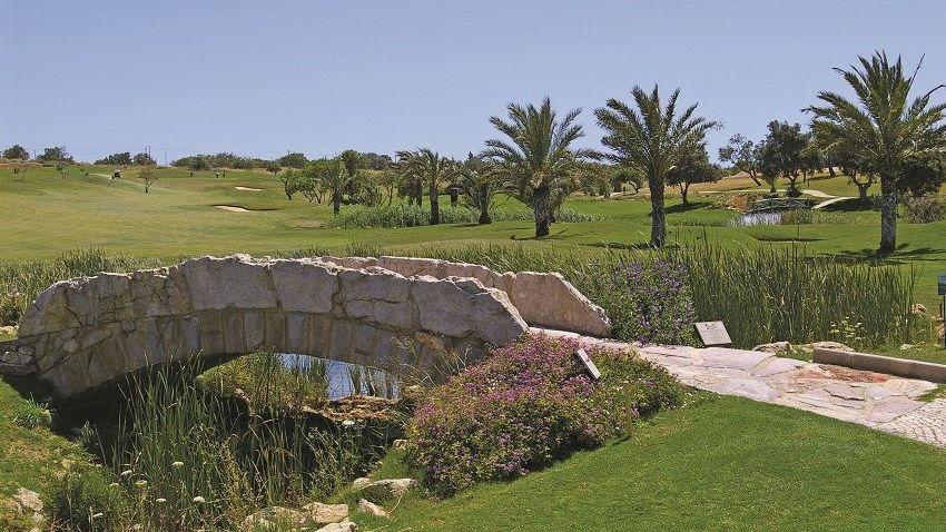 https://golftravelpeople.com/wp-content/uploads/2019/04/Boavista-Golf-Club-6.jpg