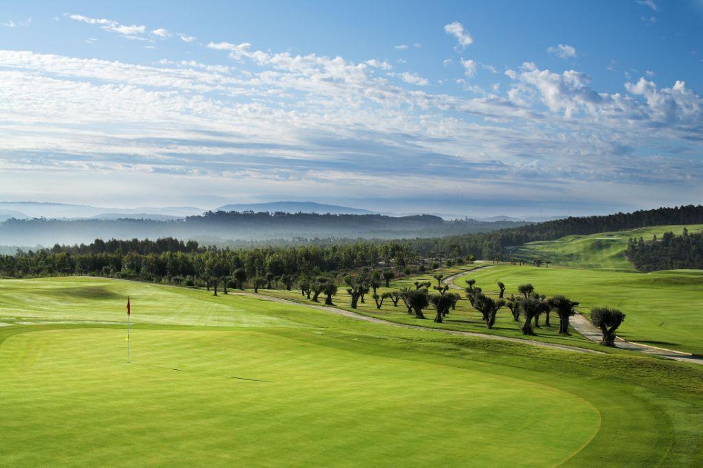 https://golftravelpeople.com/wp-content/uploads/2019/04/Bom-Sucesso-Golf-Club-11.jpg