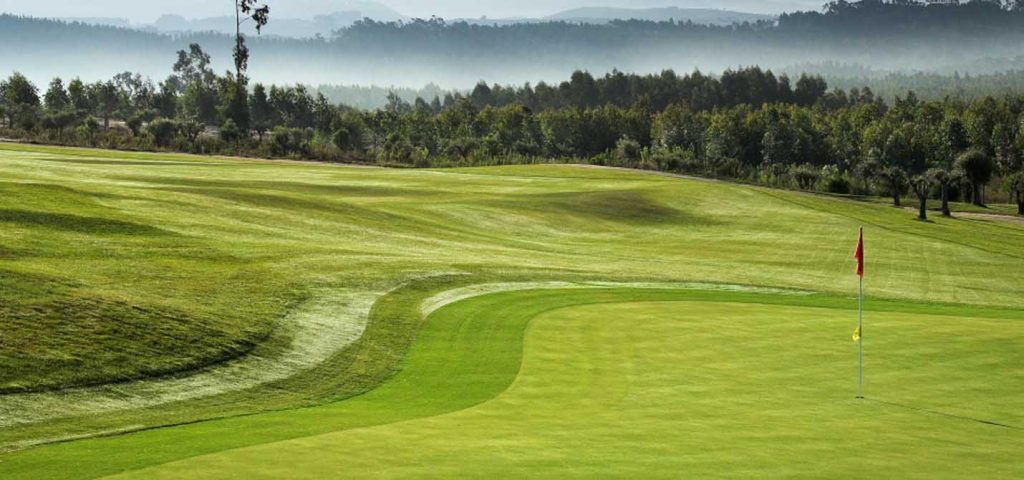 https://golftravelpeople.com/wp-content/uploads/2019/04/Bom-Sucesso-Golf-Club-6-1024x480.jpg