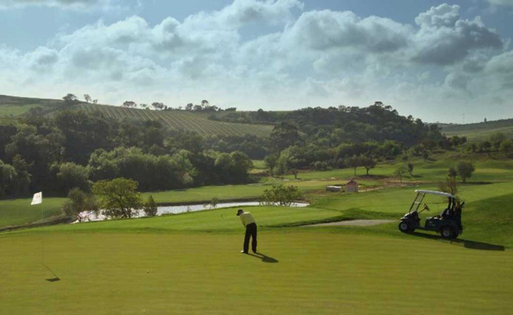 https://golftravelpeople.com/wp-content/uploads/2019/04/Campo-Real-Golf-Club-8-1024x629.jpg