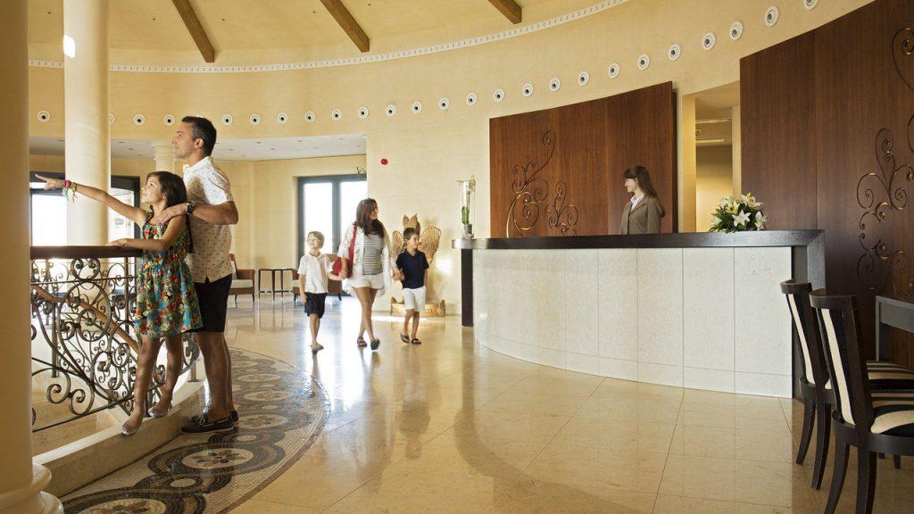 https://golftravelpeople.com/wp-content/uploads/2019/04/Cascade-Resort-Algarve-2-1024x576.jpg