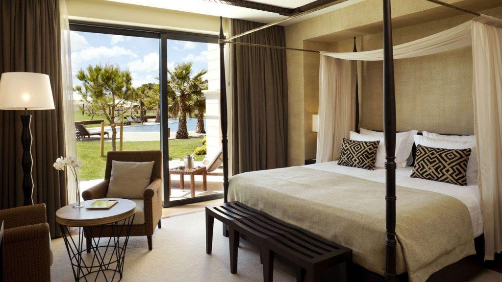 https://golftravelpeople.com/wp-content/uploads/2019/04/Cascade-Resort-Algarve-Bedrooms-Apartments-Villas-13-1024x576.jpg