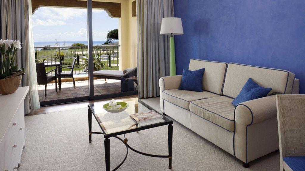 https://golftravelpeople.com/wp-content/uploads/2019/04/Cascade-Resort-Algarve-Bedrooms-Apartments-Villas-15-1024x576.jpg