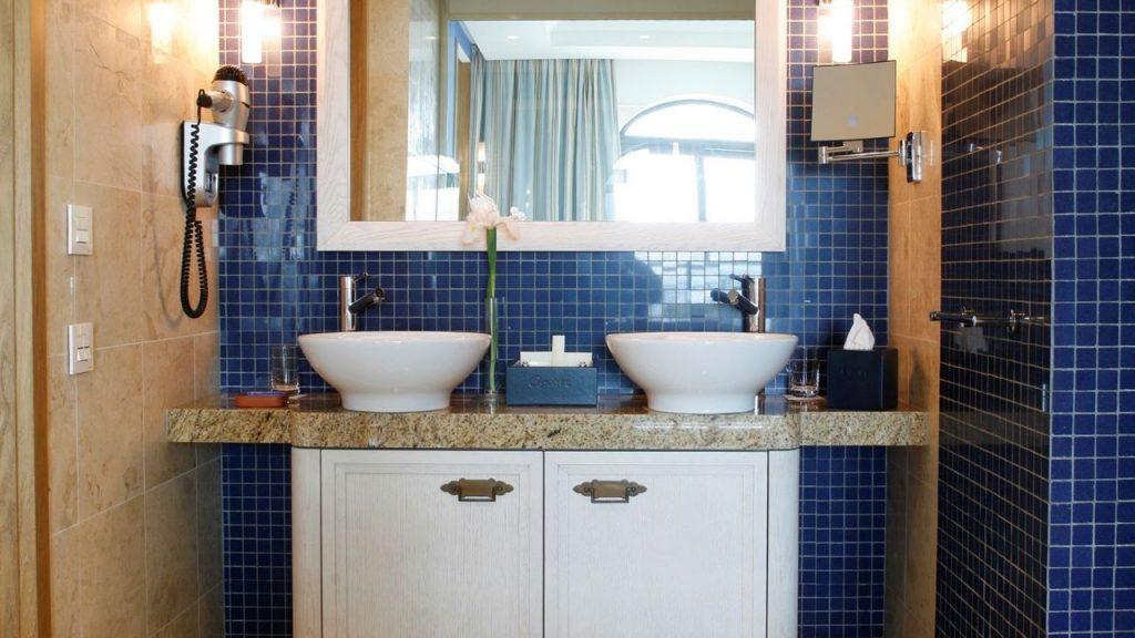 https://golftravelpeople.com/wp-content/uploads/2019/04/Cascade-Resort-Algarve-Bedrooms-Apartments-Villas-27-1024x576.jpg