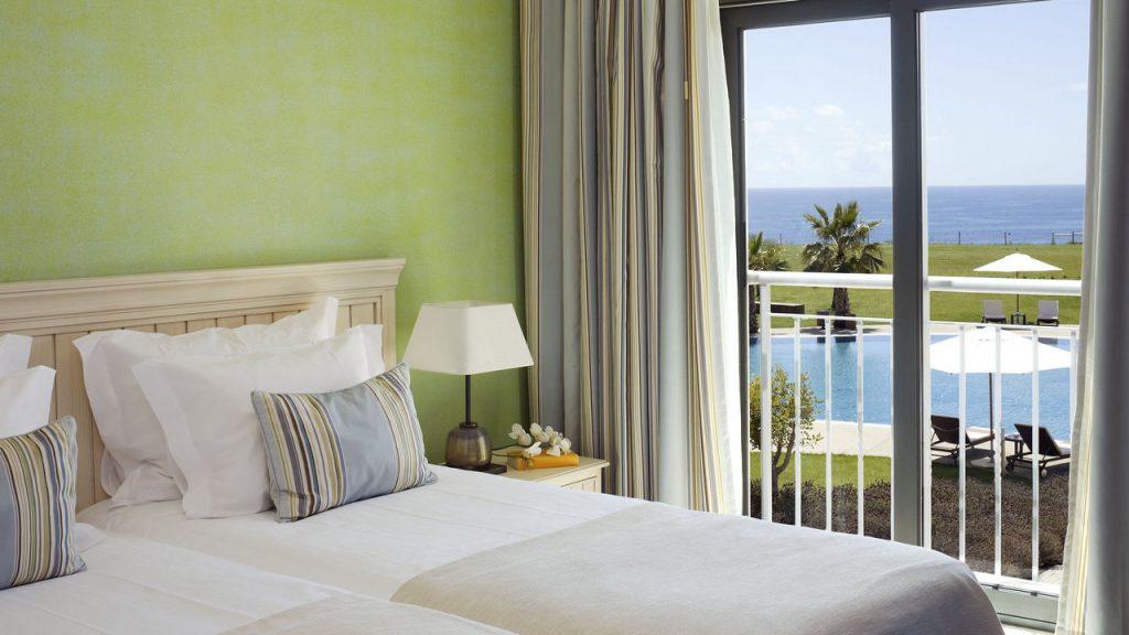 https://golftravelpeople.com/wp-content/uploads/2019/04/Cascade-Resort-Algarve-Bedrooms-Apartments-Villas-28-1024x576.jpg