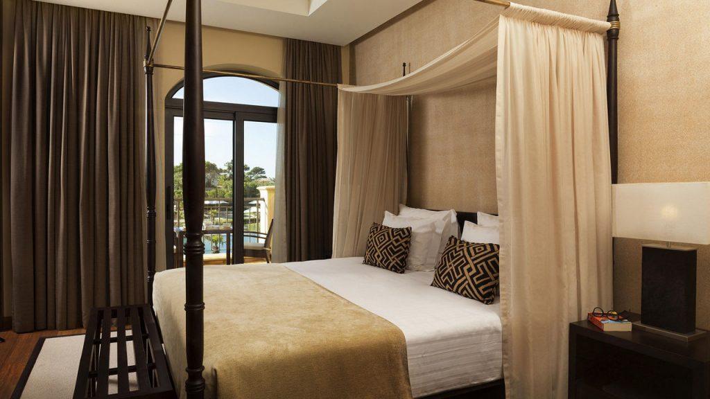 https://golftravelpeople.com/wp-content/uploads/2019/04/Cascade-Resort-Algarve-Bedrooms-Apartments-Villas-3-1024x576.jpg