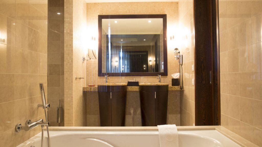 https://golftravelpeople.com/wp-content/uploads/2019/04/Cascade-Resort-Algarve-Bedrooms-Apartments-Villas-9-1024x576.jpg