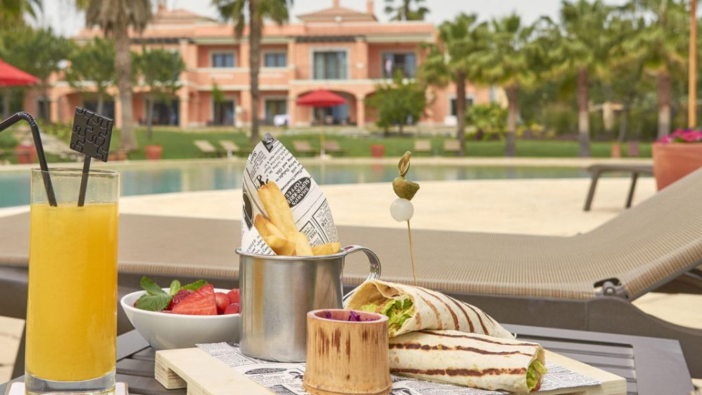 https://golftravelpeople.com/wp-content/uploads/2019/04/Cascade-Resort-Algarve-Restaurants-Food-Beverage-11-1024x576.jpg