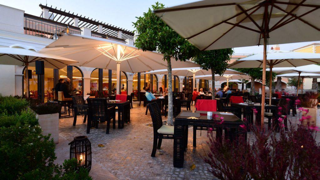 https://golftravelpeople.com/wp-content/uploads/2019/04/Cascade-Resort-Algarve-Restaurants-Food-Beverage-6-1024x576.jpg